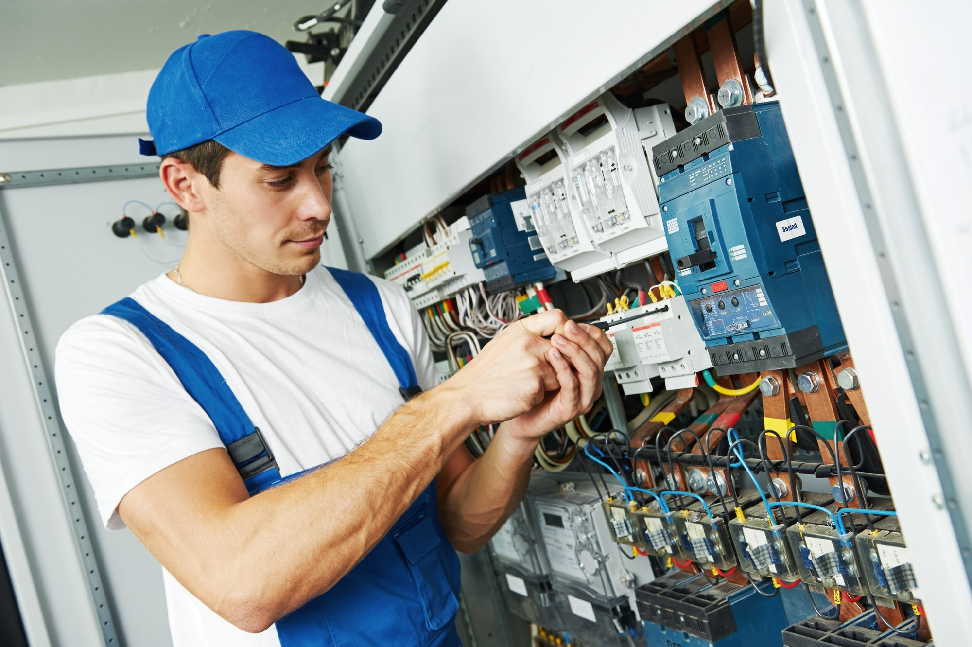 Advantages to Hiring Electricians Sydney in NSW
